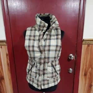 BB Dakota Puffer Plaid Vest